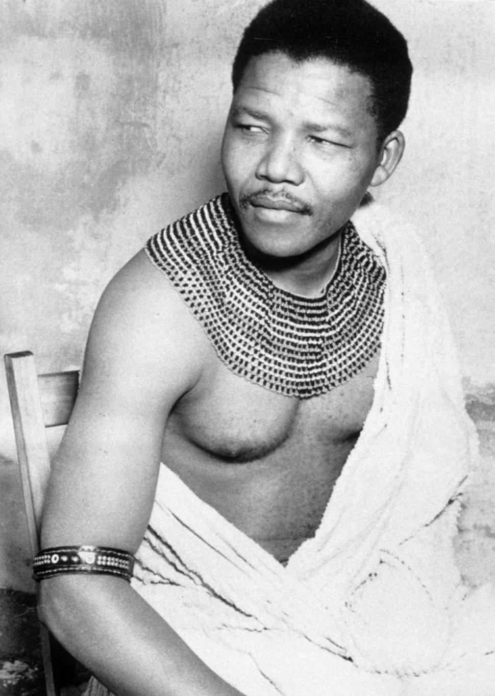 Nelson-Mandela-bw