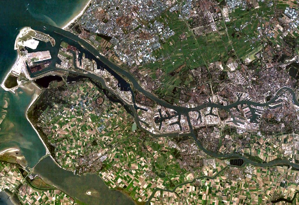 L'île du Rhin, vue de satellite, photo ville de Rotterdamwiki commons